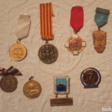 Medallas temáticas: LOTE DE MEDALLAS E INSIGNIAS. Lote 192988737