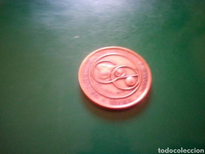 Medallas temáticas: Antigua medalla de 1981 de Valencia. XXIII Congreso español de odonto- estomatología y III internaci - Foto 2 - 193794431