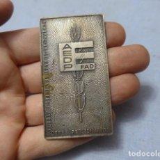 Medallas temáticas: * ANTIGUA MEDALLA PLACA AEDP. ESCAPARATISTAS Y DECORADORES PUBLICITARIOS, PUBLICIDAD. ZX. Lote 194240472