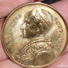 Medallas temáticas: RICORDO DEL GIUBILEO EPISCOPALE DI S.S. LEONE XIII. 1893.. Lote 195033552