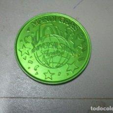 Medallas temáticas: MEDALLA COLOR VERDE MARDI GRAS . Lote 195050018