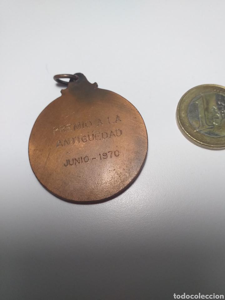Medallas temáticas: BARCELONA 1970 - MEDALLA MONTEPIO PREMIO A LA ANTIGUEDAD EL IDEAL DEL PREVISOR - Foto 2 - 195347383
