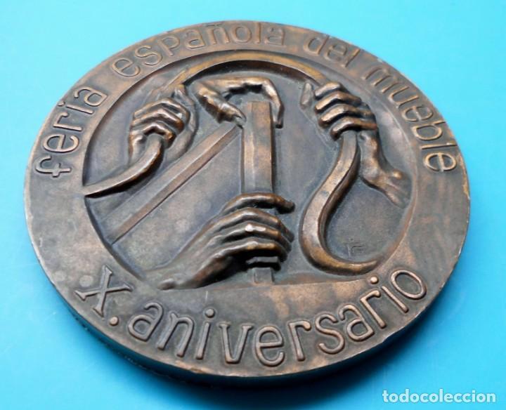 Medallas temáticas: FERIA ESPAÑOLA DEL MUEBLE, X ANIVERSARIO, 1963 VALENCIA 1973 - Foto 4 - 195416472