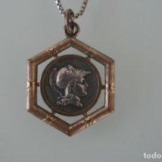 Medallas temáticas: ANTIGUA MONEDA MEDALLA ENGARZADA SOLDADO CASCO ARMADURA – CON CADENA PLATA . Lote 195999091