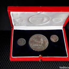 Medallas temáticas: ESTUCHE CONMEMORATIVO MEDALLAS PLATA CENTENARIO DE LA PESETA. 1869-1969.ACUÑACION DE 500 EJEMPLARES. Lote 197111336
