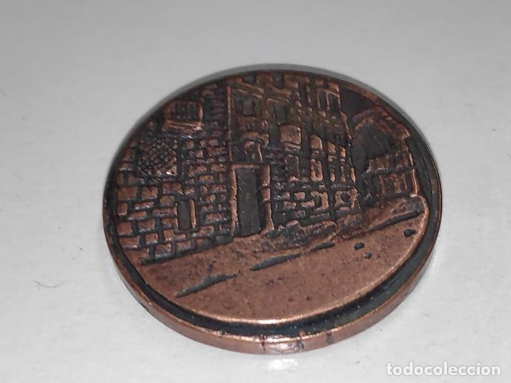 Medallas temáticas: LOGROÑO UN ALTO EN EL CAMINO-MEDALLA BRONCE VIEJO - Foto 2 - 197687493