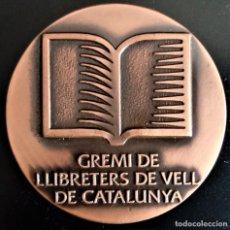 Medallas temáticas: MEDALLA 1982 CATALUÑA GREMIO LIBREROS DE VIEJO LIBRO ANTIGUO LLIBRE ANTIC MODERN. Lote 198016768