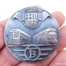 Medallas temáticas: MEDALLA DE PLATA TRANVÍAS DE BARCELONA 1943 1969 METRO AUTOBUSES TRANSPORTES. Lote 199132210
