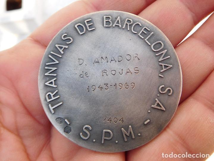 Medallas temáticas: Medalla de plata tranvías de Barcelona 1943 1969 Metro autobuses transportes - Foto 4 - 199132210