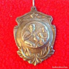 Medallas temáticas: MEDALLA DE SAN JOSÉ DE CALASANZ, 40 X 30 MM.. Lote 199201152
