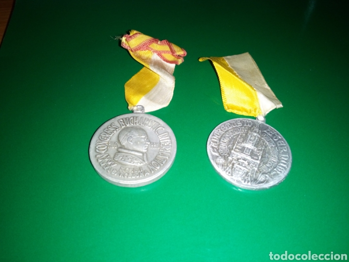 DOS ANTIGUAS MEDALLAS DEL CONGRESO EUCARÍSTICO DIOCESANO DE BARCELONA. 1942 Y 1944 (Numismática - Medallería - Temática)