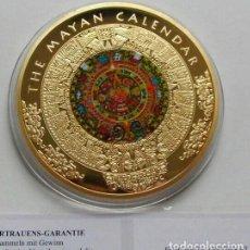 Medallas temáticas: MUY BONITA MONEDA MEDALLON XXL DEL CALENDARIO MAYA ORO Y APLICACIONES DE TINTA DE TAMAÑO GRANDE. Lote 220545278
