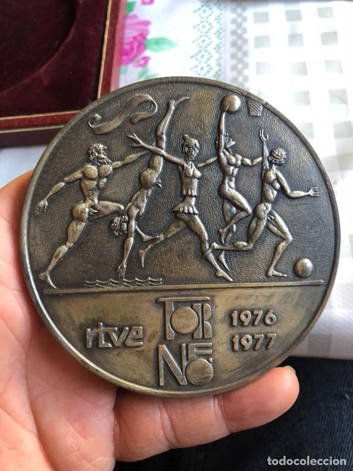 Medallas temáticas: Rara medalla entregada al jurado a un progama de television - Foto 4 - 202771815