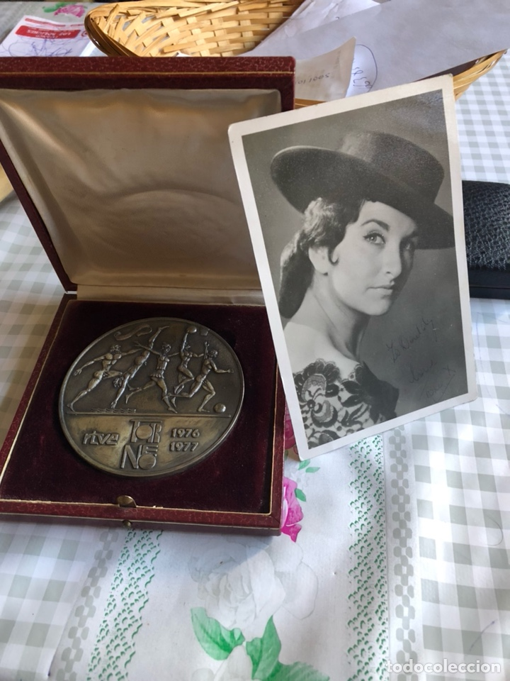 RARA MEDALLA ENTREGADA AL JURADO A UN PROGAMA DE TELEVISION (Numismática - Medallería - Temática)