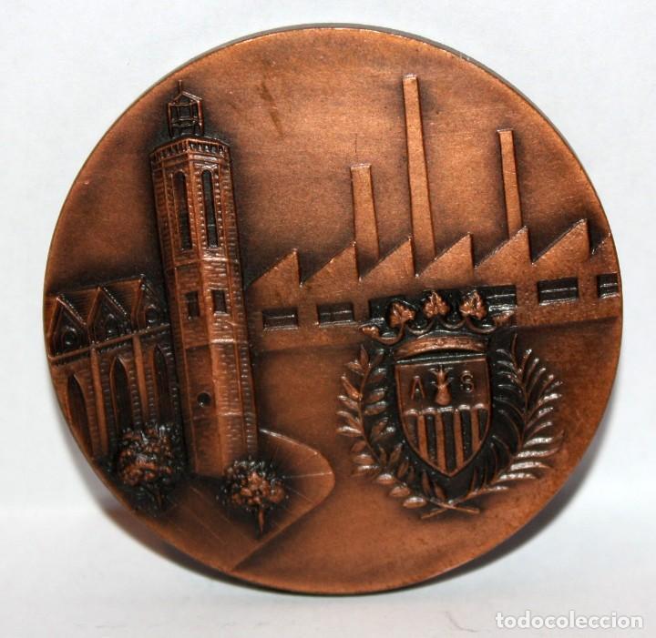 Medallas temáticas: MEDALLA CONMEMORATIVA GIMNASIO MUNICIPAL SABADELL. REALIZADA EN BRONCE - Foto 2 - 203801890