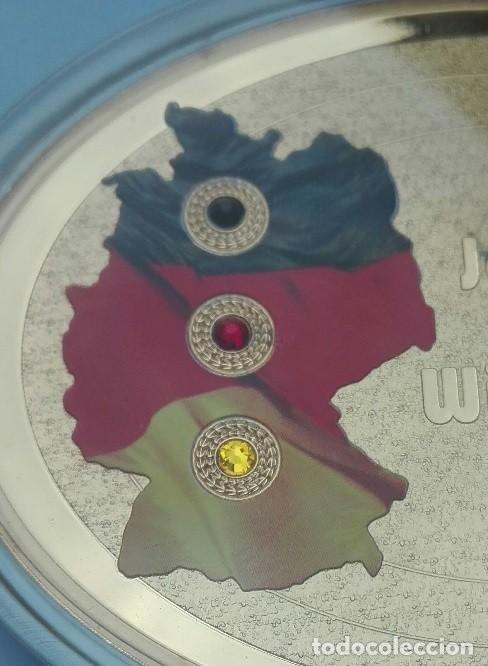 Medallas temáticas: BONITO MEDALLON XXL CON FORMA OVAL POR EL 25 ANIVERSARIO DE LA CAIDA DEL MURO DE BERLIN ALEMANIA - Foto 2 - 204691960