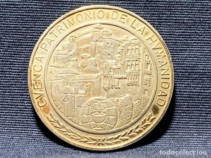 Medallas temáticas: MEDALLA CONVEXA CUENCA PATRIMONIO HUMANIDAD CAMARA OFICIAL 925 30MM - Foto 4 - 204811307