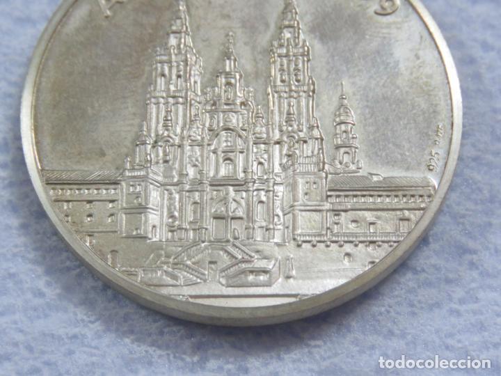 Medallas temáticas: MEDALLA EN PLATA DE LEY 925 DEL AÑO SANTO 1999 CON INCRUSTACION DE PIEDRA EN LA MEDALLA, SOLO 250 - Foto 5 - 205683026