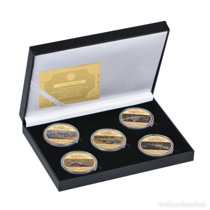 Medallas temáticas: COLECCION 5 MONEDAS ARMAS AK47 - G36 - M16 - FAMAS - FN SCAR - CHAPADO EN ORO 24 KILATES - Foto 2 - 209543500