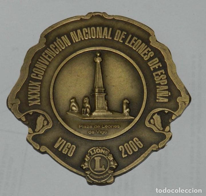 MEDALLA DE LOS LIONS INTERNATIONAL, XXXIX CONVENCION NACIONAL DE LEONES DE ESPAÑA, VIGO 2006, MIDE (Numismática - Medallería - Temática)