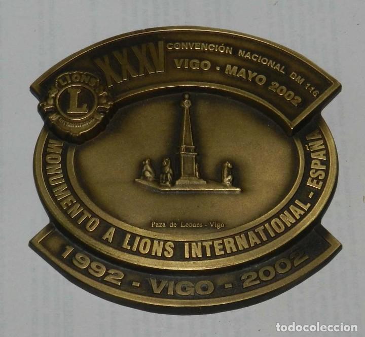 MEDALLA DE LOS LIONS INTERNATIONAL, XXXV CONVENCION NACIONAL DM 116, VIGO - MAYO 2002, MIDE 8,5 CMS. (Numismática - Medallería - Temática)