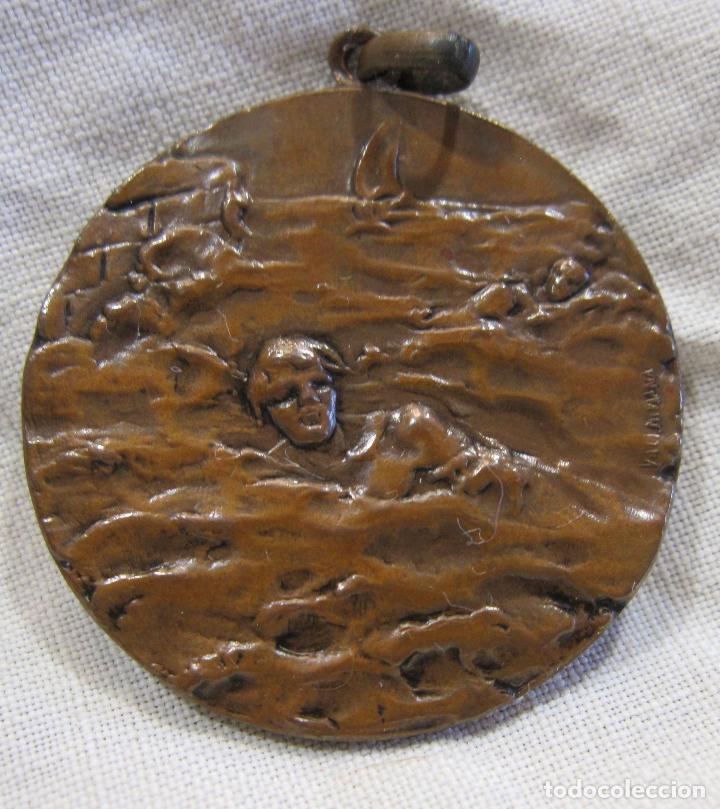 MEDALLA NATACIÓN CALDETAS 8 SEPTIEMBRE 1916. FIRMADA VALLMITJANA. DIAM. 3,2 CM. CALDETES (Numismática - Medallería - Temática)