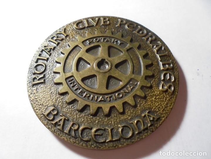 Medallas temáticas: magnifica medalla en relieve rotary international club pedralbes barcelona 1983 - Foto 2 - 213654786