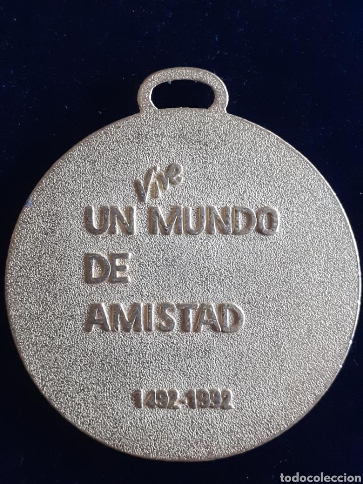Medallas temáticas: Medalla conmemorativa del descubrimiento de América, vive un mundo de Amistad - Foto 2 - 216911956