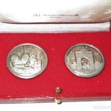 Medallas temáticas: 2 MEDALLAS DE PLATA CON MOTIVOS DE MADRID, EN SU ESTUCHE ORIGINAL. Lote 218339587