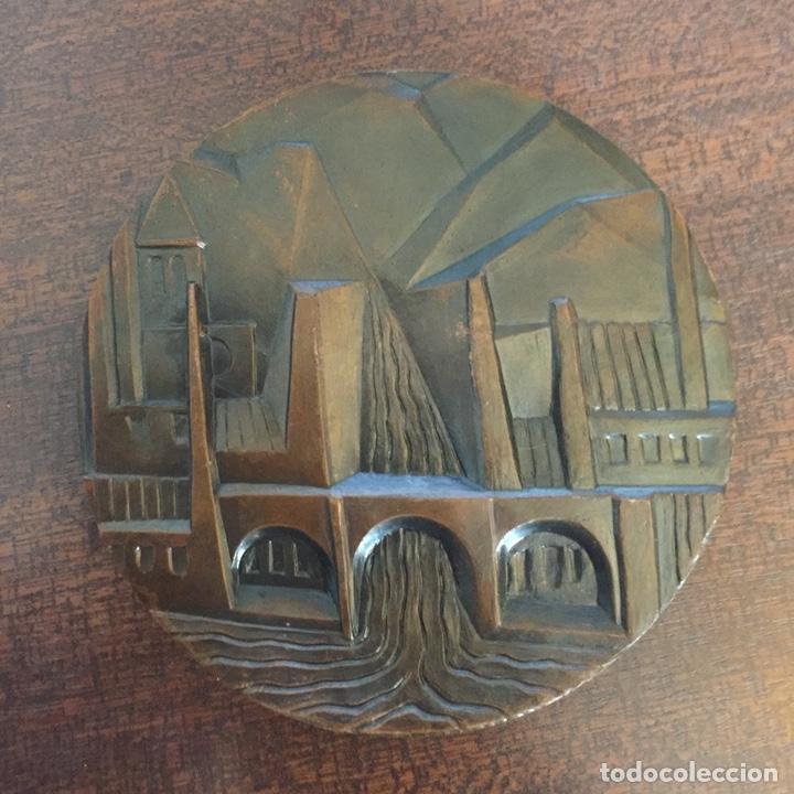 Medallas temáticas: MEDALLA BRONCE LLOBREGAT - FNMT - ESCULTOR: SOMOZA - EN TORNO A 1970 - Foto 2 - 218898212