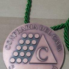 Medallas temáticas: MEDALLA COFRADÍA DEL CAVA SANT SADURNI D'ANOIA 8 CENTÍMETROS DE DIÁMETRO PESA 250 GRAMOS. Lote 219094047