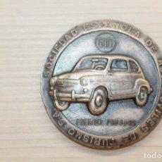 Medalhas temáticas: MEDALLA SEAT 600 MEDIO MILLÓN, SOCIEDAD ESPAÑOLA DE AUTOMOVILES DE TURISMO S.A. 5 CM. Lote 221557100