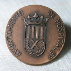 Medallas temáticas: MEDALLA AYUNTAMIENTO HOSPITALET - V FESTIVAL DE CASAS REGIONALES - 1975 - D 4 CM. Lote 228071710