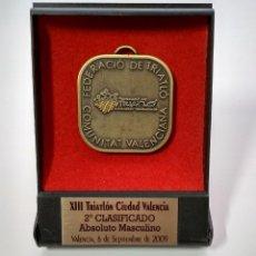 Medallas temáticas: MEDALLA, XIIITRIATLON CIUDAD DE VALENCIA, 2ºCLASIFICADO ABSOLUTO MASCULINO 6 DE SEPTIEMBRE DE 2009. Lote 231227425