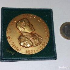 Medallas temáticas: MEDALLA CONMEMORATIVA PHILIP IV 1621 - 1665, SEÑOR DE SEÑORES, CALICO EDITORES BARCELONA 1965 BRONCE. Lote 235890560