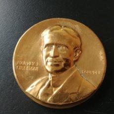 Medallas temáticas: MEDALLA / MEDAL: 50 YEARS OF FIRESTONE SERVICE 1900-1950. Lote 236583285