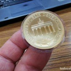 Medallas temáticas: CONMEMORATIVA - UNIDAD ALEMANA 1990-2015 - BAÑO DE ORO DE 24 QUILATES. Lote 240024900