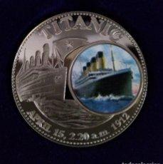 Medallas temáticas: BONITA MONEDA CONMEMORATIVA AL HUNDIMIENTO DEL TITANIC CON IMAGEN JUSTO ANTES DEL IMPACTO. Lote 241017915