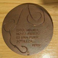 Medalhas temáticas: MEDALLA BRONCE ESCRITOR PEREDA. Lote 245267005
