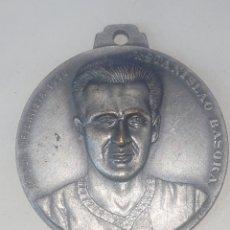 Medallas temáticas: MEDALLA MEJOR DEPORTISTA 1950 ESTANISLAO BASORA FUTBOL BARCELONA CAMPEON DE CAMPEONES 1972. Lote 246325180