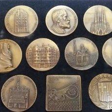Medallas temáticas: ESTUCHE CON 10 MEDALLAS DE BRONCE DE ANTONI GAUDI DIAMETRO 5CM - GRABADOR PUJOL. Lote 248493675