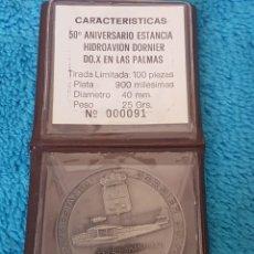 Medaglie tematiches: MEDALLA PLATA 50 ANIVERSARIO ESTANCIA HIDROAVION DORNIER DO.X EN LAS PALMAS. Lote 248512575