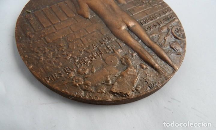 Medallas temáticas: MEDALLLA DE GRANDES DIMENSIONES DEDICADA AL NIÑO Y SU FUTURO Y SU VISION DE LA VIDA. MIDE 8,5 CMS. - Foto 3 - 251801175