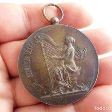 Medallas temáticas: MEDALLA DE PLATA LA MUSIQUE AÑO 1900 RIVET. Lote 289331943