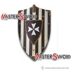 Militaria: ESCUDO HOSPITALARIO AÑO 1095 REALIZADO EN MADERA. 76 X 48 CMS. Lote 41454859