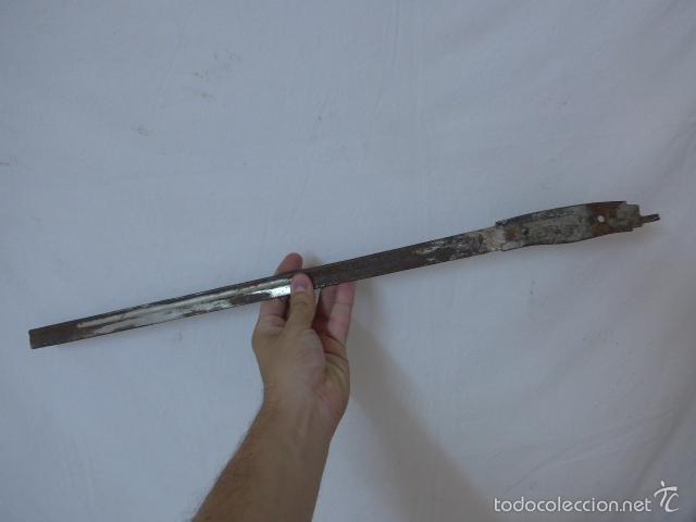 Militaria: Lote de hoja de espada antigua y parte de funda - Foto 6 - 58400914