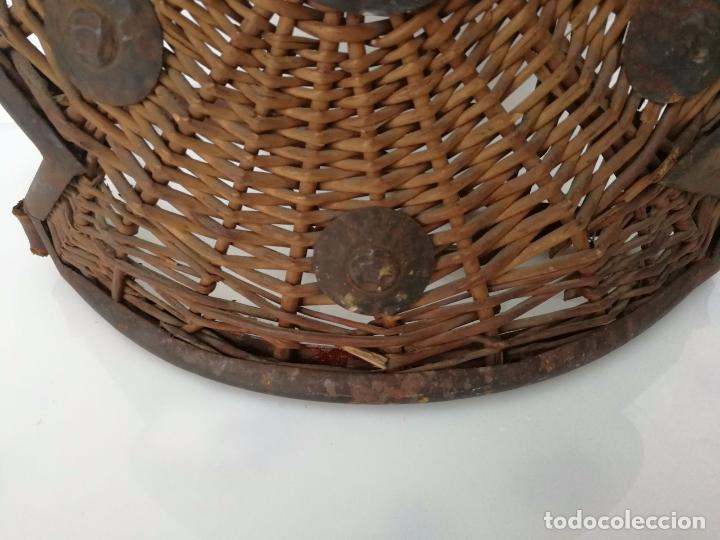 Militaria: Antiguo escudo o armadura - hecho a mano mimbre y forja - Foto 7 - 79862333