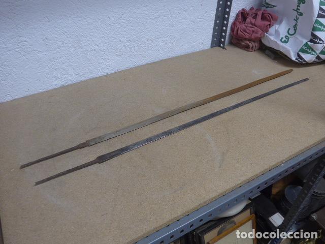 Militaria: Lote 2 antiguas hoja recta de espada, una con marcajes en hoja. originales - Foto 3 - 189378136