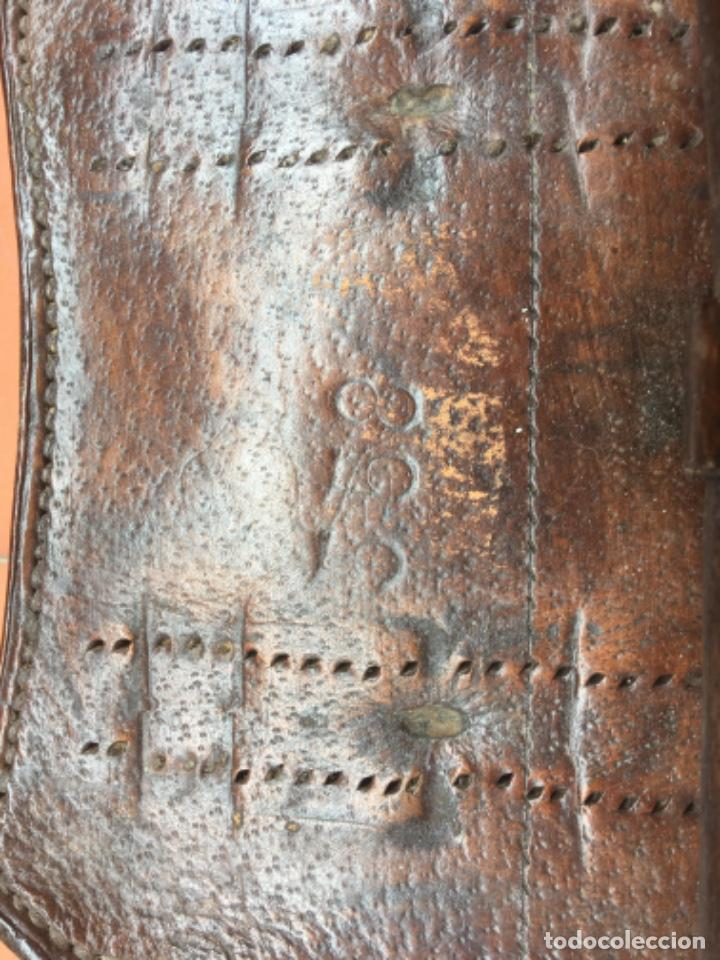 Militaria: Tahali porta herraduras para sable de caballería español - Foto 2 - 205789942
