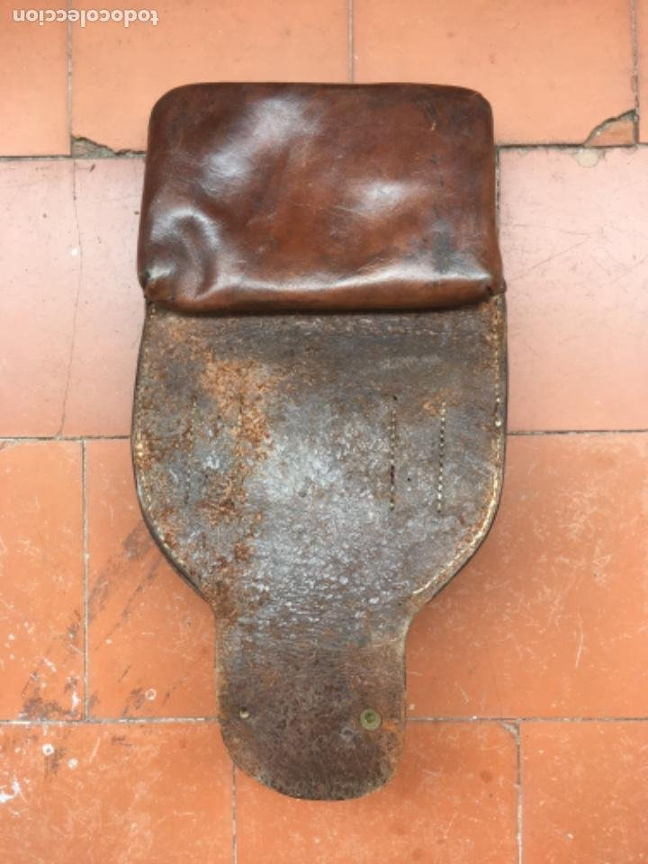 Militaria: Tahali porta herraduras para sable de caballería español - Foto 3 - 205789942